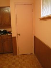 Door closed with Elfa organization